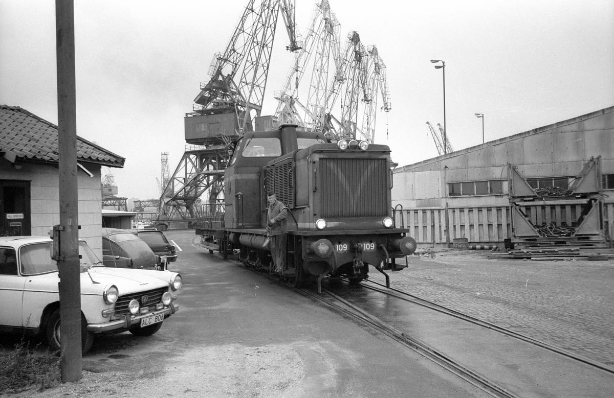 Statens Järnvägar SJ T21 109 diesellok Hammarbyhamnen.