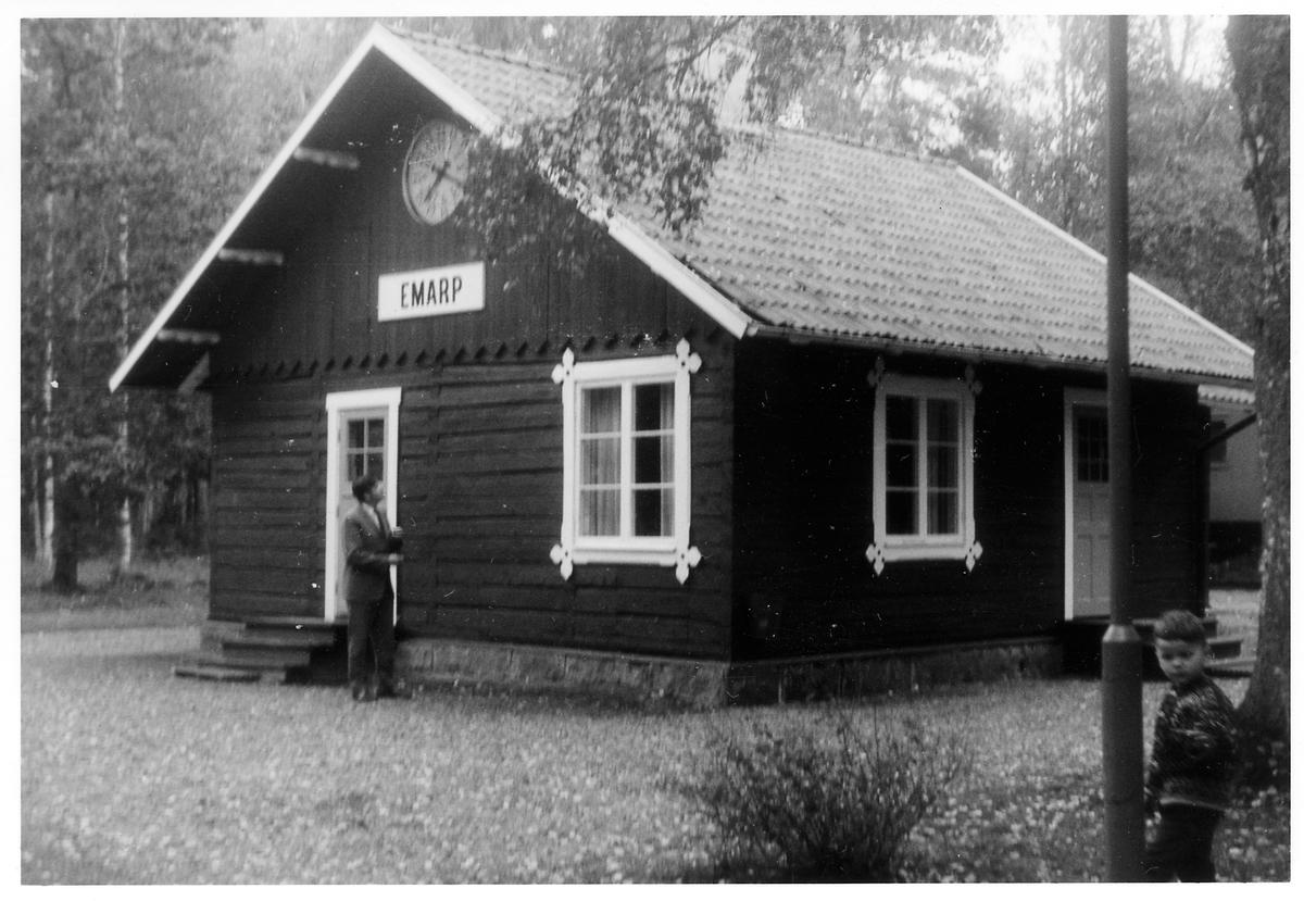 Emarp stationshus i Hultsfreds hembygdspark.