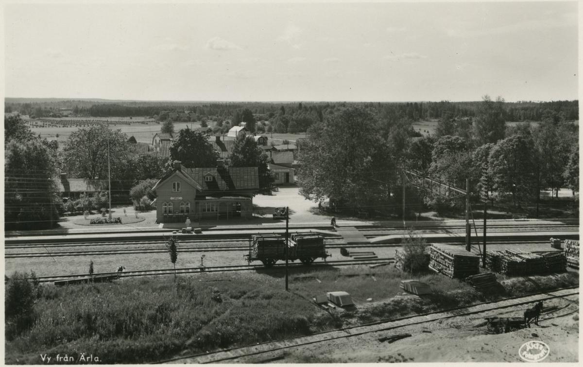 En vy på Ärla stationsområde, år 1935.