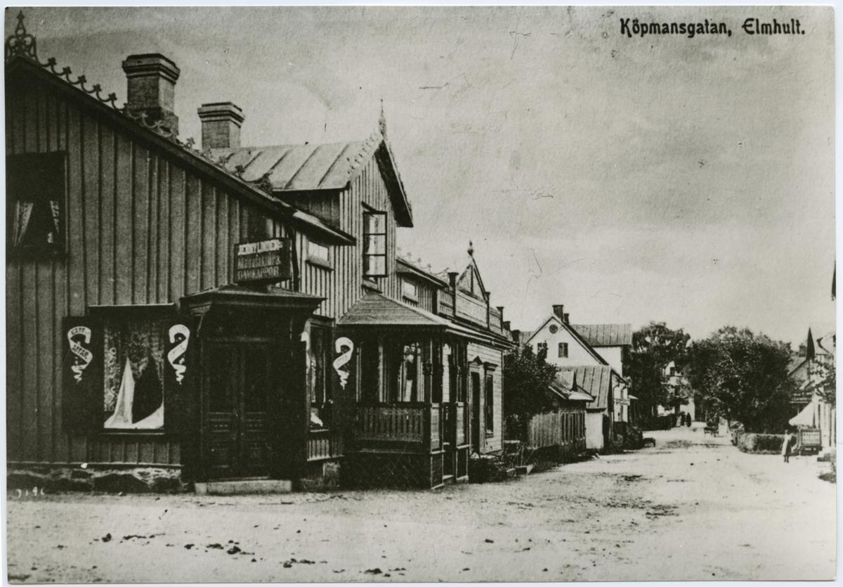 Klädaffären Jenny Linden´s Manufaktur och Damkappor på Köpmansgatan i Älmhult.