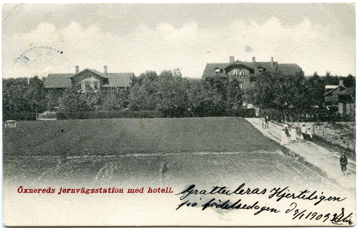 Öxnered station 1903. Bergslagernas Järnväg, BJ.Stationen till höger på bilden.