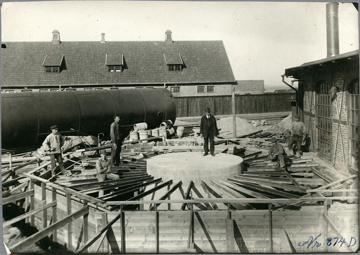 Uppförande av grund till vattentornet i Helsingborg.