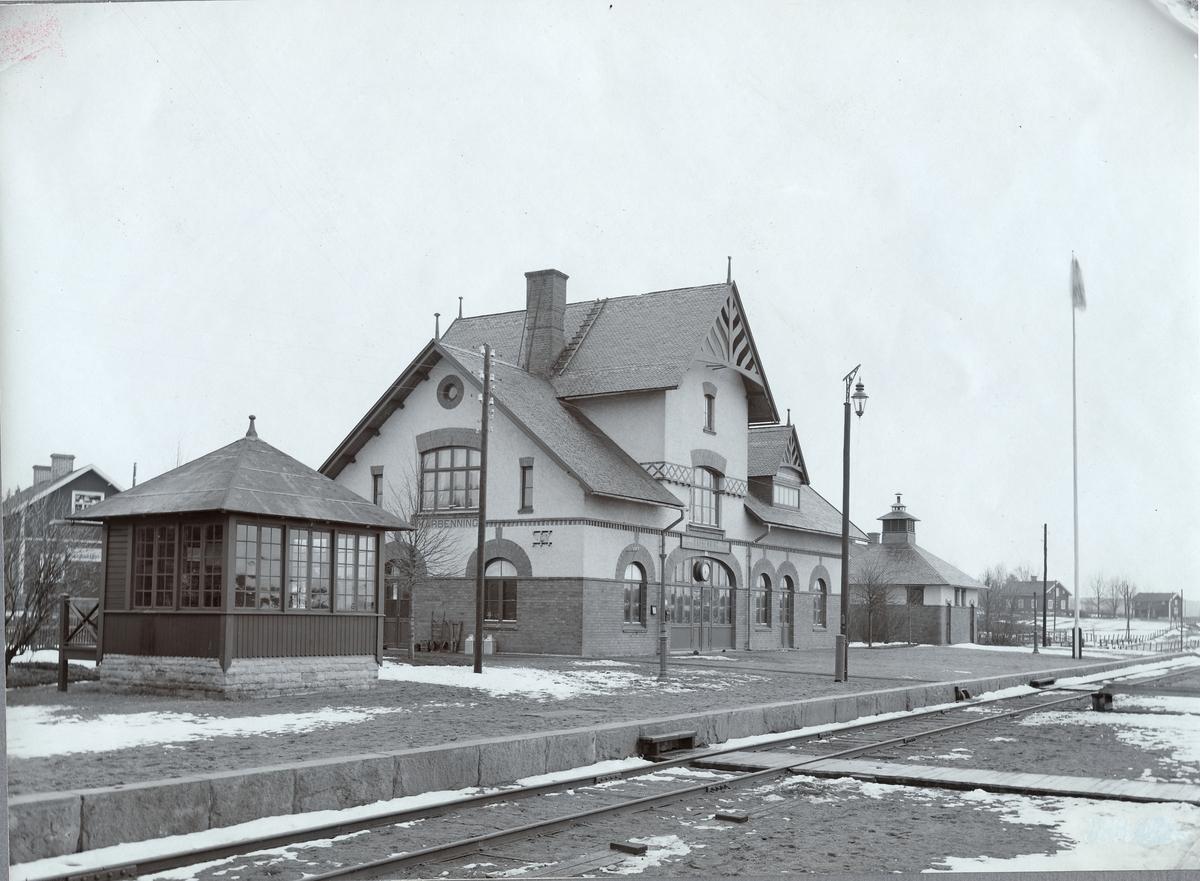 Karbenning station.