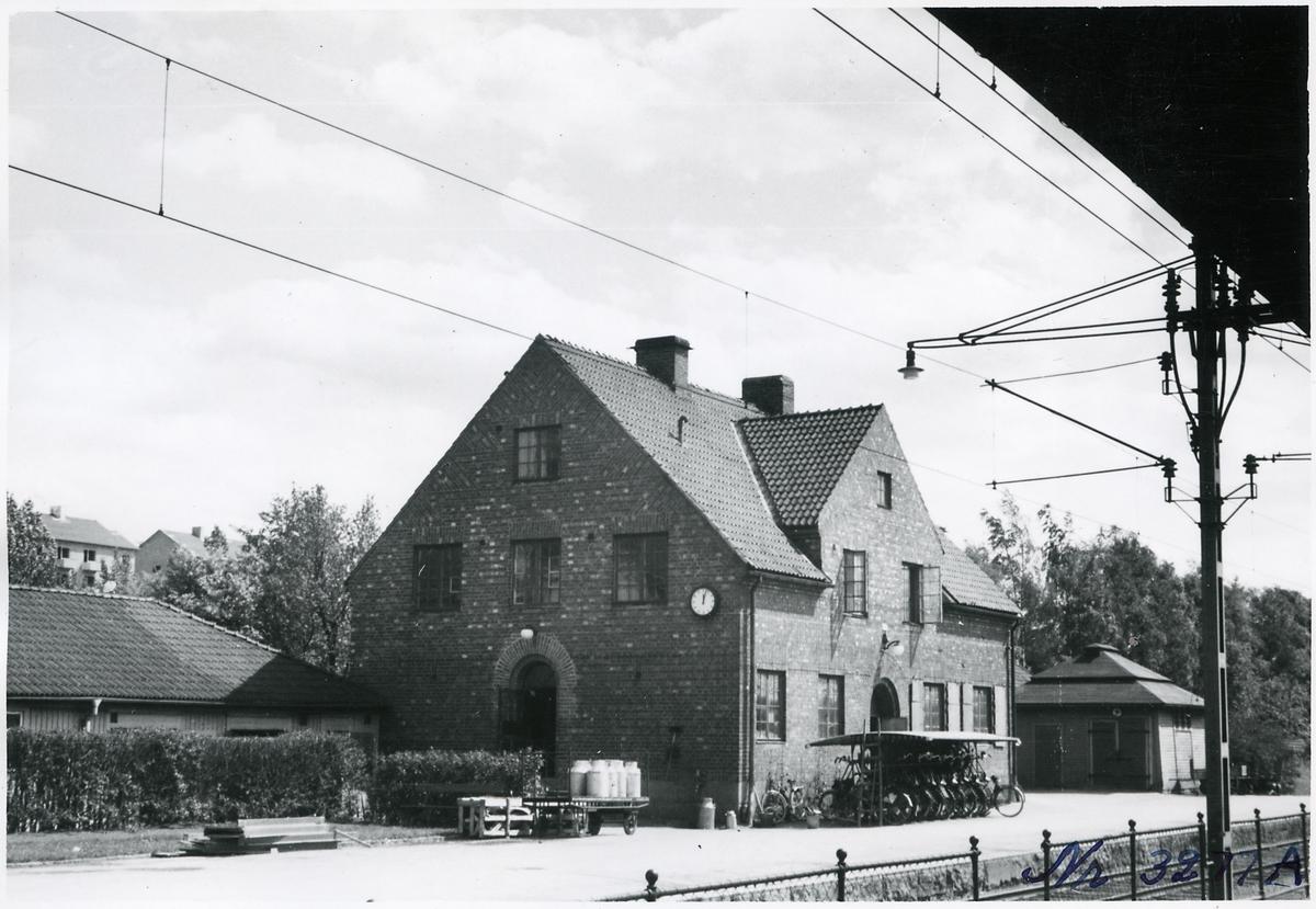 Hus 14C i Östersund mot banan.