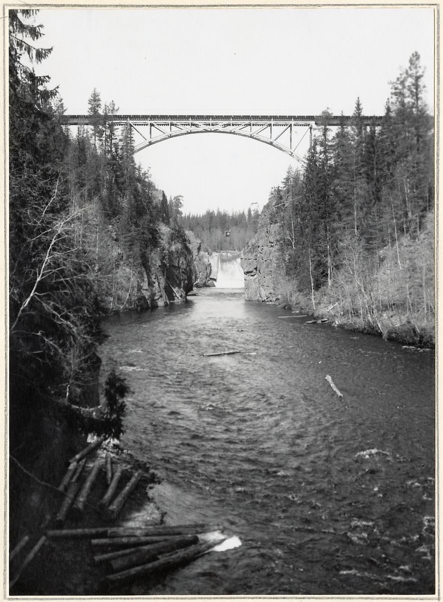 Bro över Emån på linjen Orsa - Sveg.