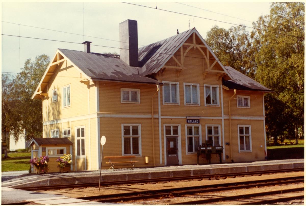 Nyland station.