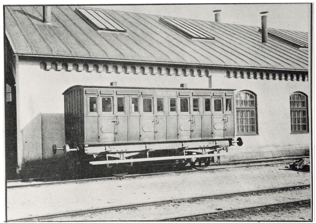 Äldre passagerarvagn, Köping-Hults Järnväg