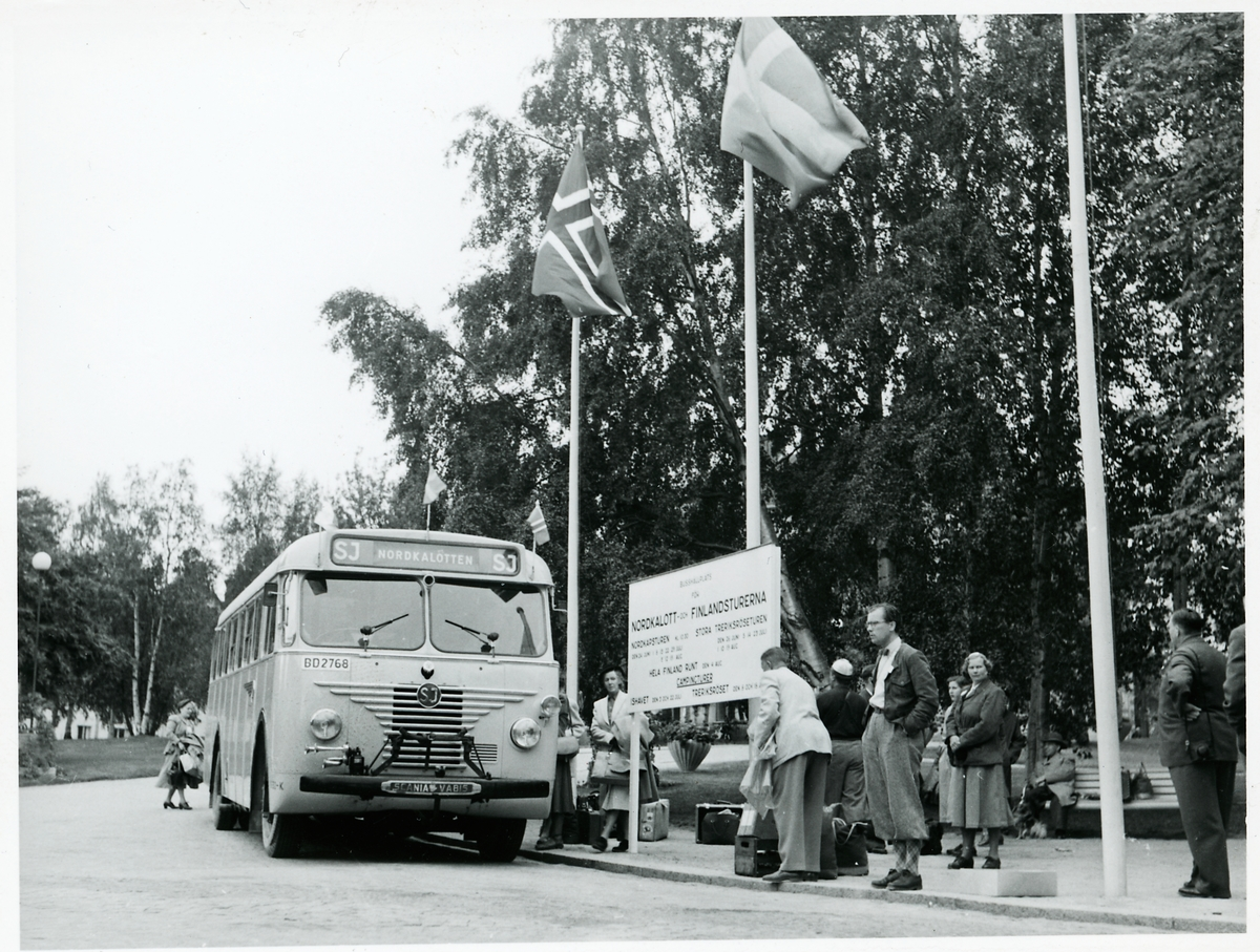 Hållplats i Luleå för Nordkalott- och Finlandsturerna. Statens Järnvägar, SJ buss.