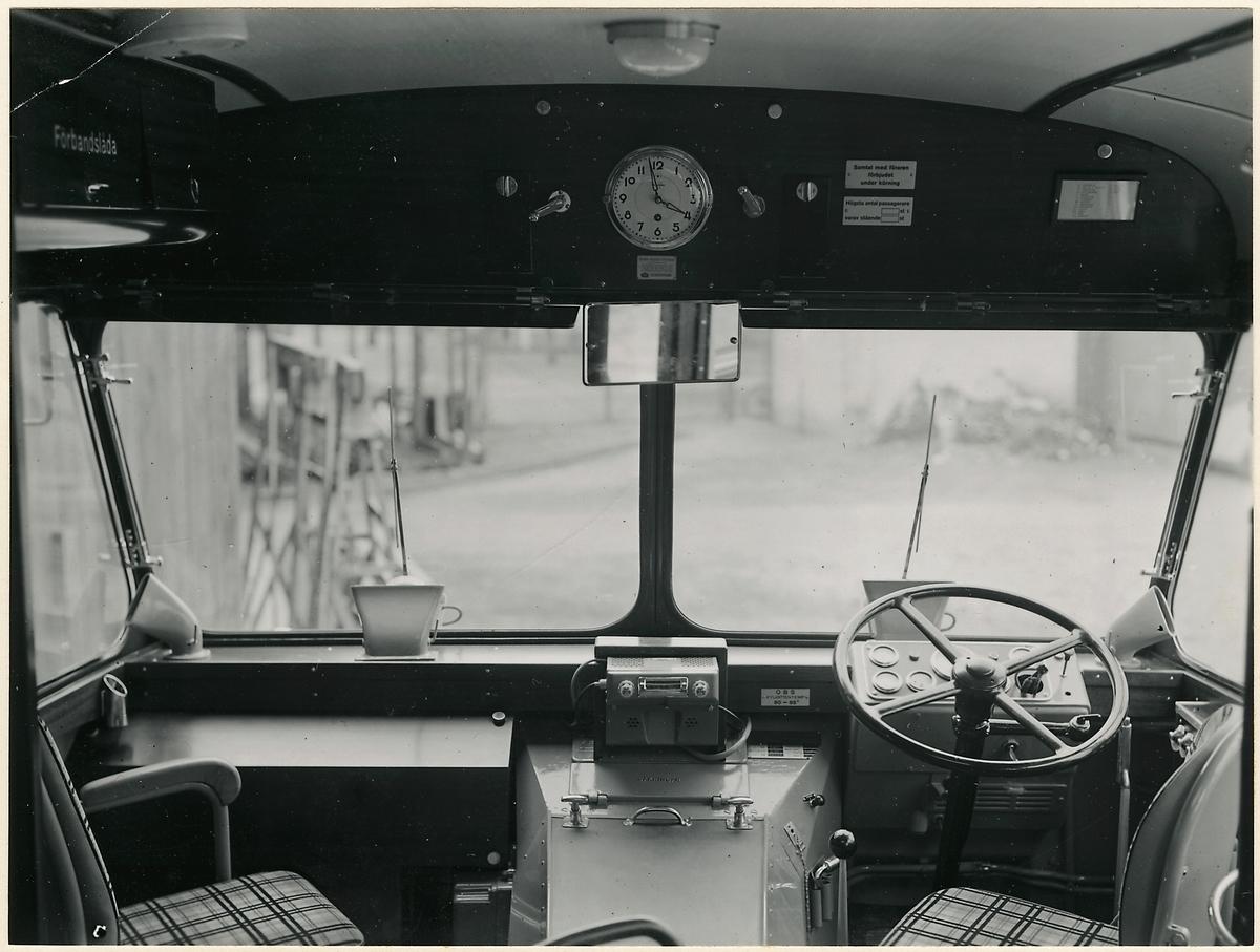 Förarplats i buss.