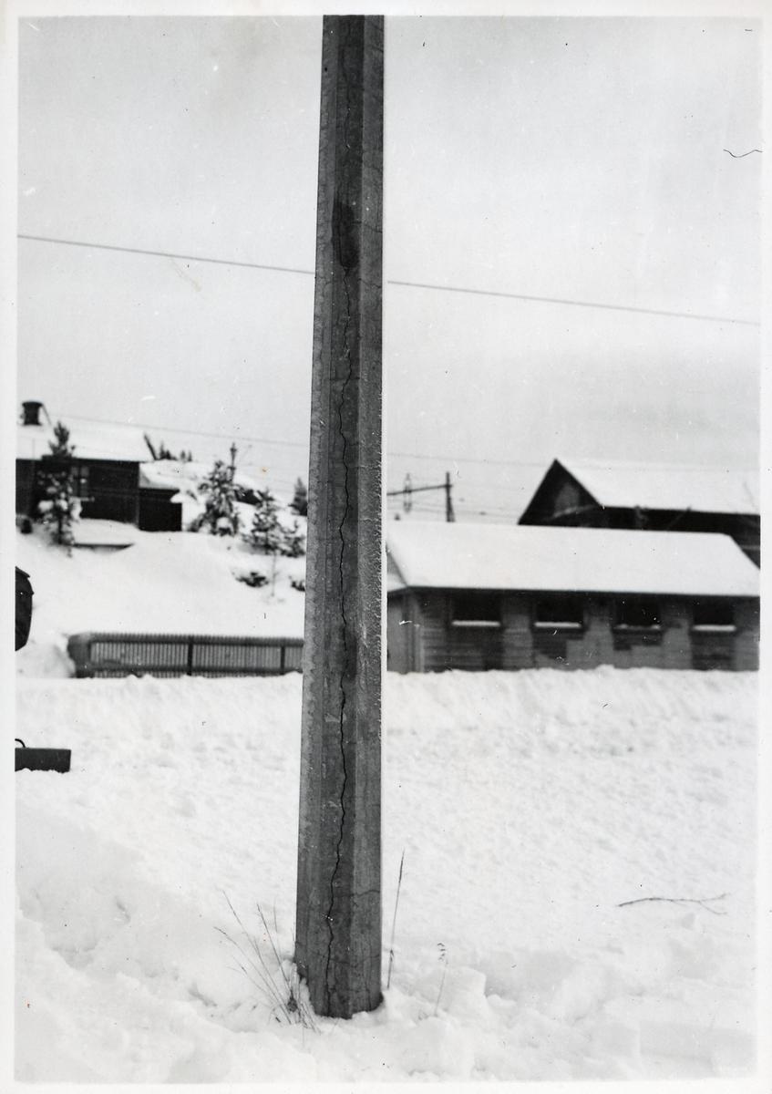 Skadad stolpe vid LKAB's kraftstation på Svartön.