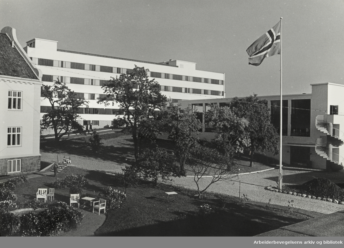 Fjellhaug skole. Hybelbygget. Oktober 1966