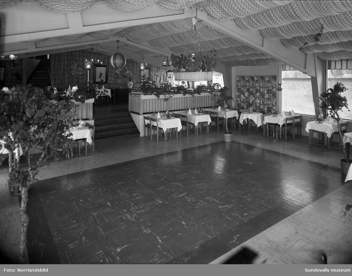 Interiörbilder från restaurang Vindhem med fokus på dansgolvet.