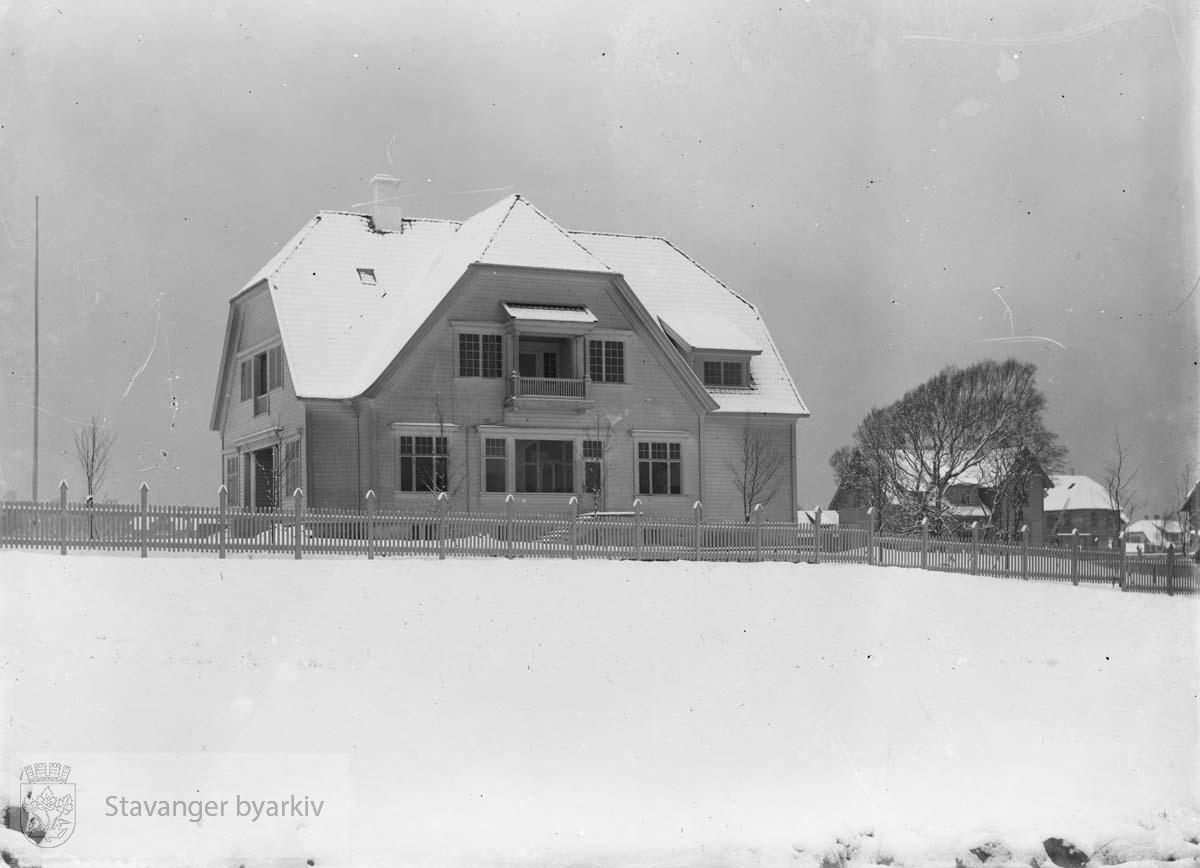 Skipsreder og sildeeksportør Torbjørn Waages hus. Huset ble senere overtatt av Ynglingen. Husets opprinnelige adresse var St. Svithuns gate 20.