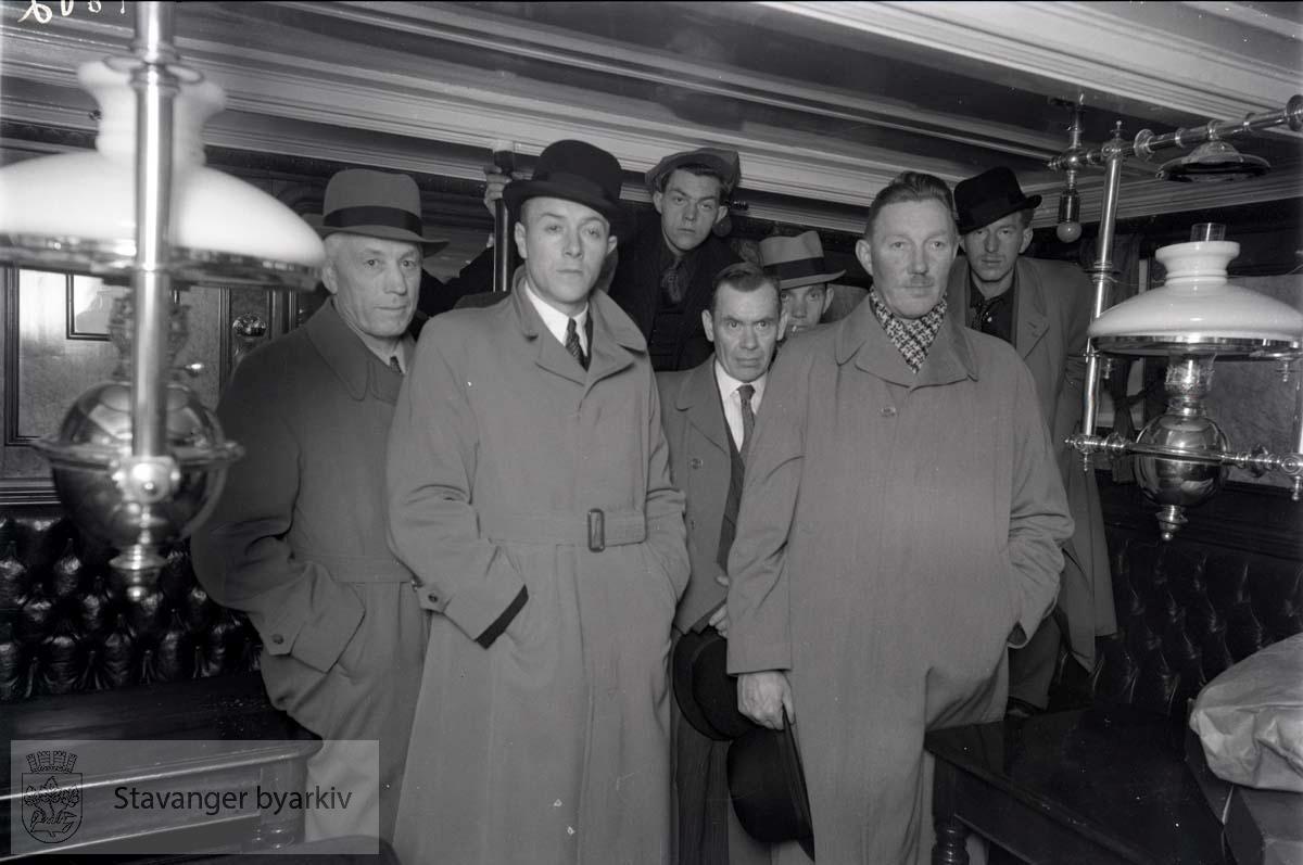 Syv menn, mannskapet fra den torpederte M. Gressholm