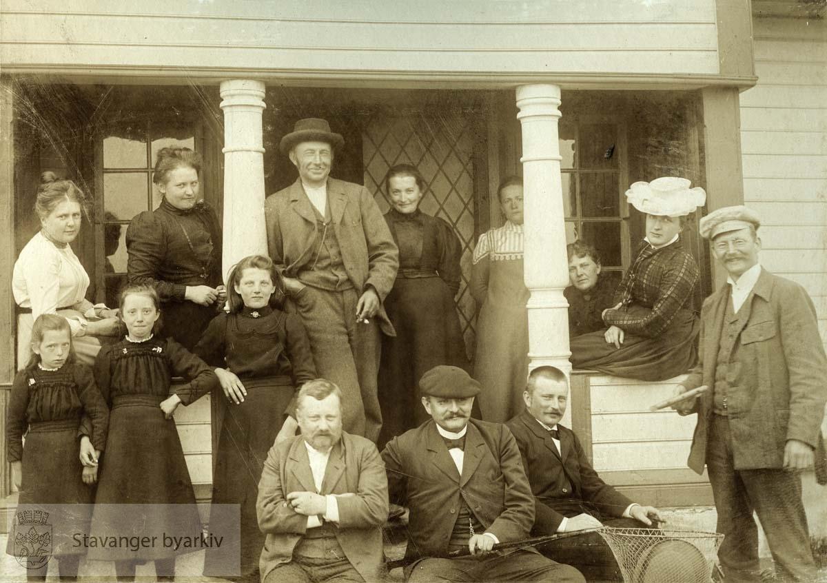 Gruppebilde på Reve, 2. pinsedag 1901