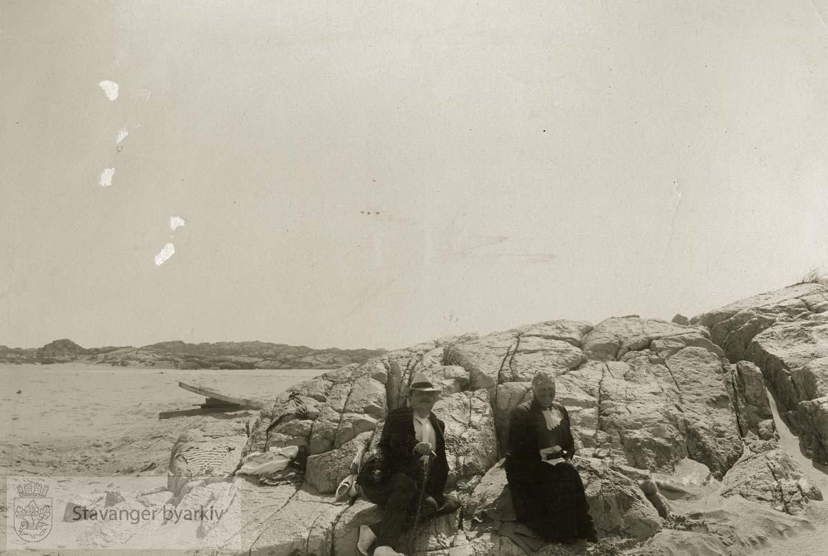 Georg T og Martha Monsen i Søresanden på Ogna, sommeren 1915