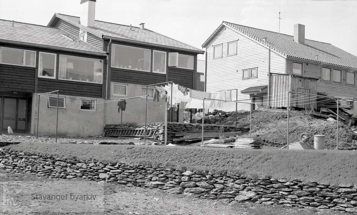 Del av serie med bilder av byggeprosessen med oppføring av rekkehus i Auglendsveien.