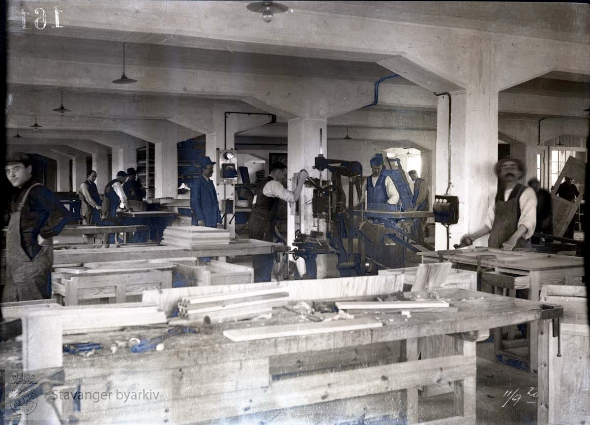 Rosenberg Mekaniske Verksted.Buøy