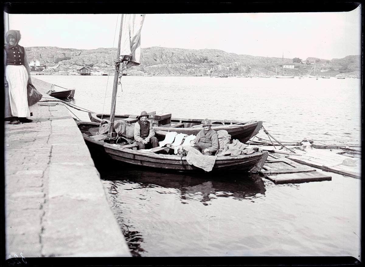 Fiskförsäljnng vid Marstrandskajen.