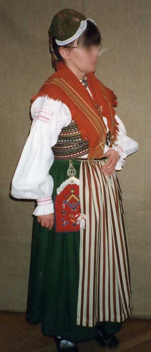 Folkdräkt från Snöstorp i Halland