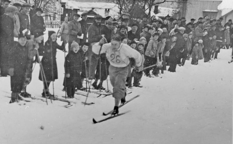 Landsskirennet Tynset, 17 km kombinert 1937. Per Sætermyrmoen vant.