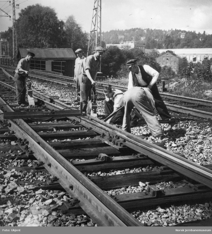 Banearbeid i østre sporveksel på Lysaker stasjon.