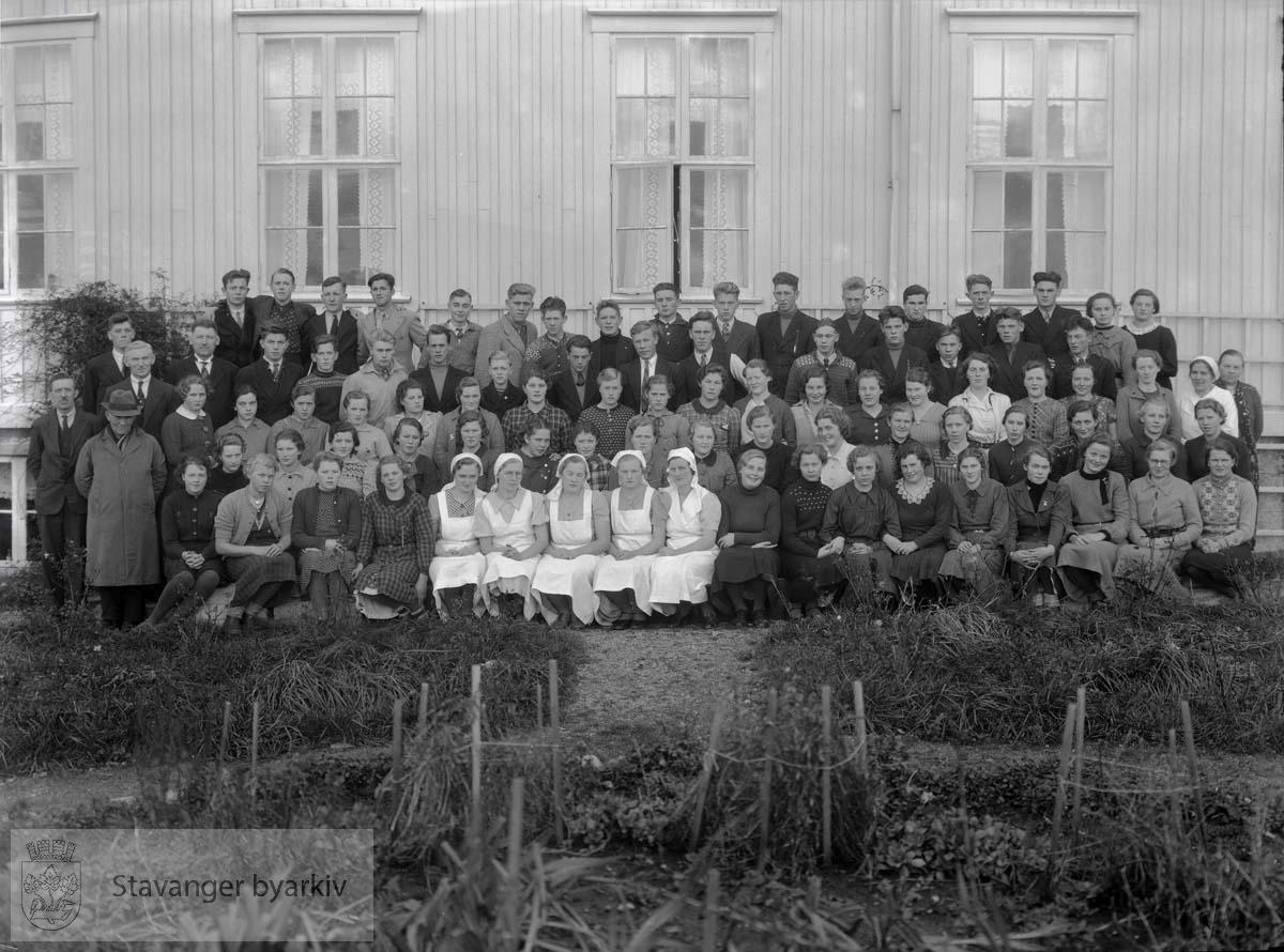 Tryggheim skole, Nærbø. Elever og lærere 1938-39