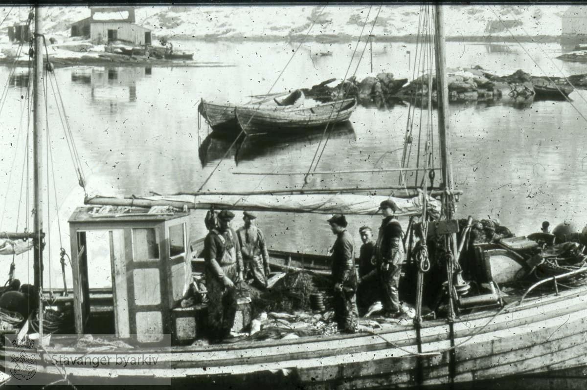 Fiskere på båt