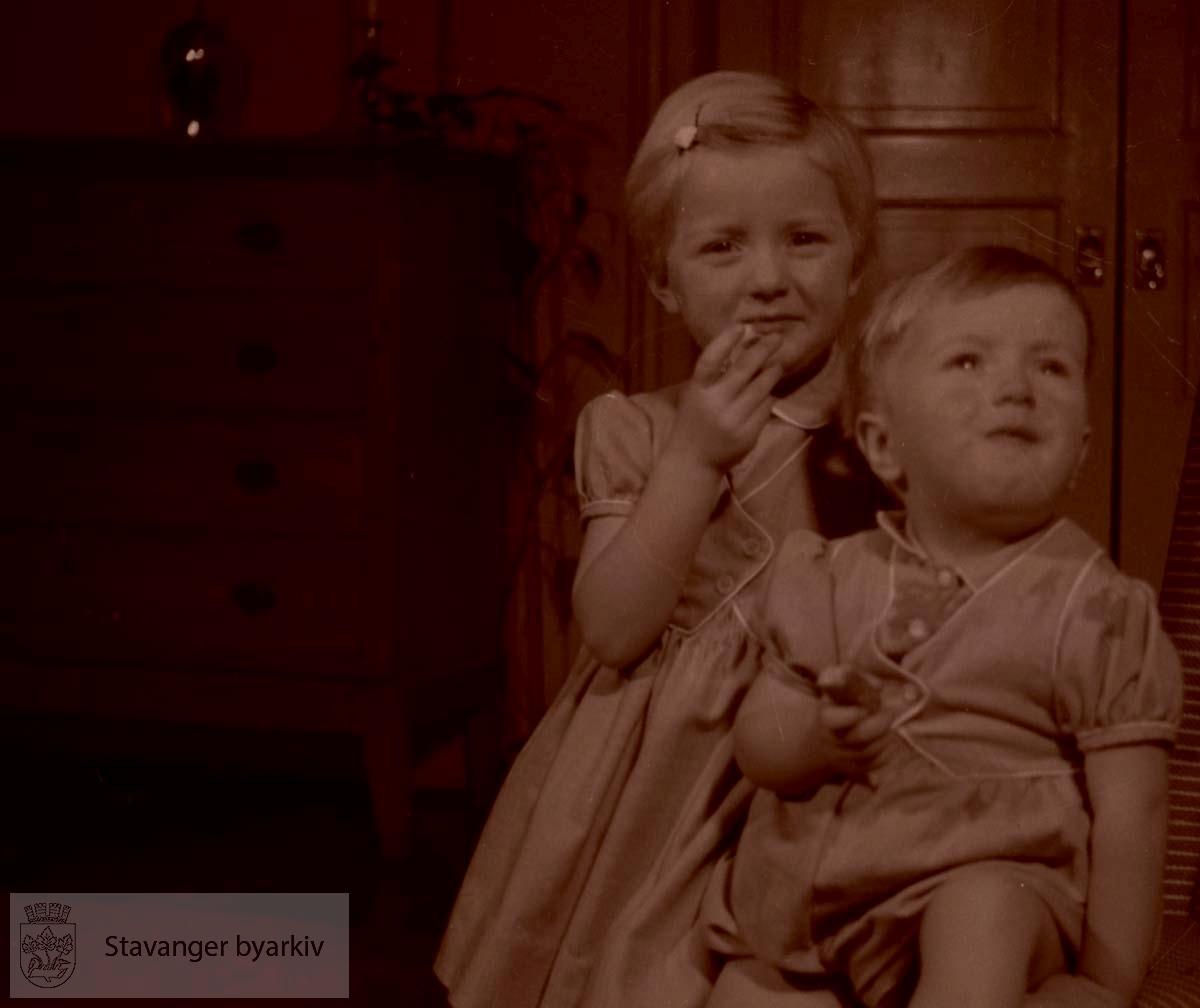 Bror og søster.