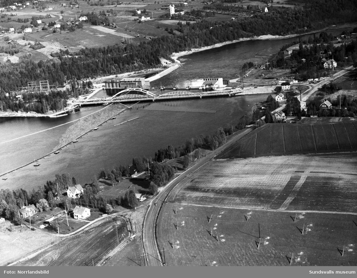 Flygfoton över kraftverket i Hammarstrand och omgivande landskap.