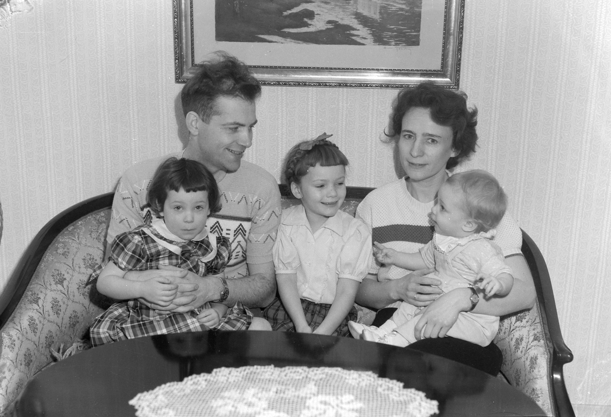 Agnar og Gerd Nygaard med familie