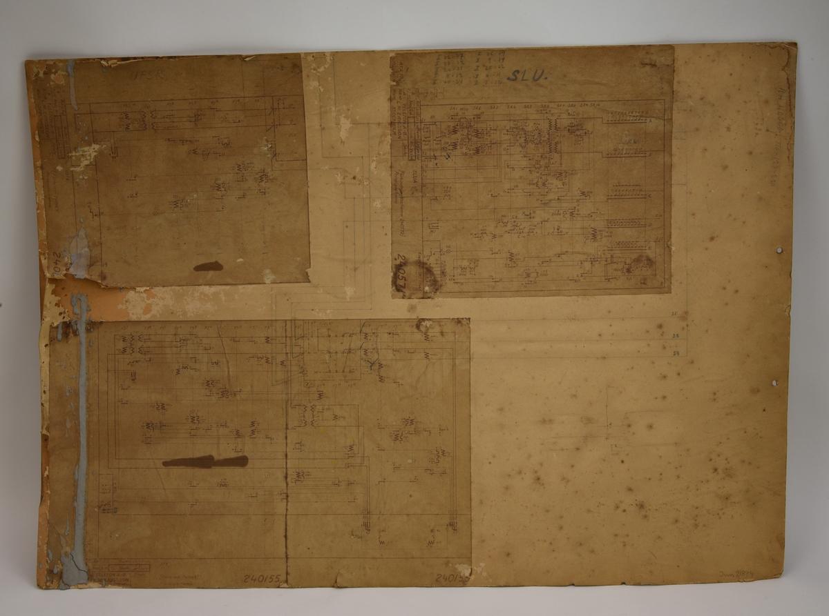 """En reklamplansch, troligen 1930-tal, som gör reklam för Luftförsvarsmärket i Malmö.  Planschen har en ljusbrun bottenfärg. På planschens överdel finns en grafisk bild av ett gult frimärke med en röd gripklo som greppar ett vitt flygplan och som gör reklam för frimärken som stödjer Malmö Luftförsvarsförening. Till höger om frimärket finns ett pris angett med röd text """"5 öre"""". På mitten av planschen finns ett flygfoto över Malmö och över det en grafisk bild av ett flygplan som flyger över staden. Planschens nedre halva är fylld med text: """"  """"LUFTFÖRSVARSMÄRKET på varje brev MALMÖ LUFTFÖRSVARSFÖRENING""""  På planschens mederdel finns namnen på tryckeriet och beställaren (förmodligen).  Planschen verkar ha blivit återanvänd efter att den spelat ut sin roll som reklam för Malmö Luftförsvarsförening. I det övre vänstra hörnet finns ett efternamn skrivet med en blyertspenna: """"Wandell"""". På planschens framsida finns även en teckning av ett elschema (?) samt en teckning av en transformator (?).  Planschens baksida har i efterhand återanvänts som plansch. På den finns tre stycken olika förbindningsscheman/principscheman påklistrade och som är märkta med """"Telefon A.B. L.M. Ericsson"""".  Dessa tre olika scheman är ihoplänkade med varandra genom att någon med en blyertspenna har dragit linjer mellan olika punkter i schemorna, troligen för att knyta samman dem till ett större schema."""