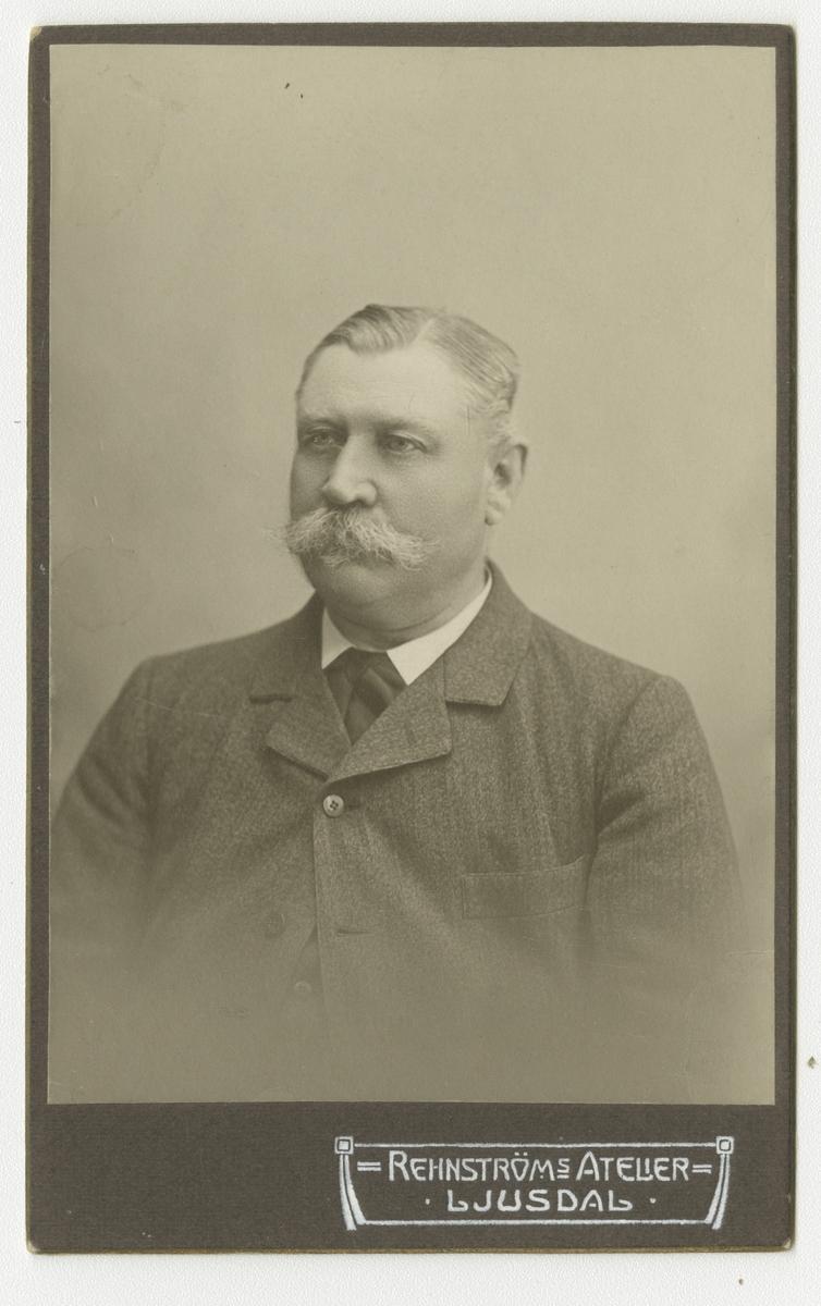 Porträtt av Per Henrik Söderberg, officer vid Hälsinge regemente I 14.  Se även bild AMA.0008696.