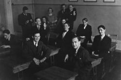 """""""Studentexamen 1937 vid Sundsvalls högre läroverk började me"""