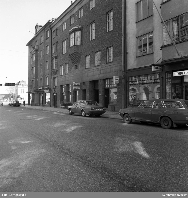 Vy österut vid Storgatan 1-3.