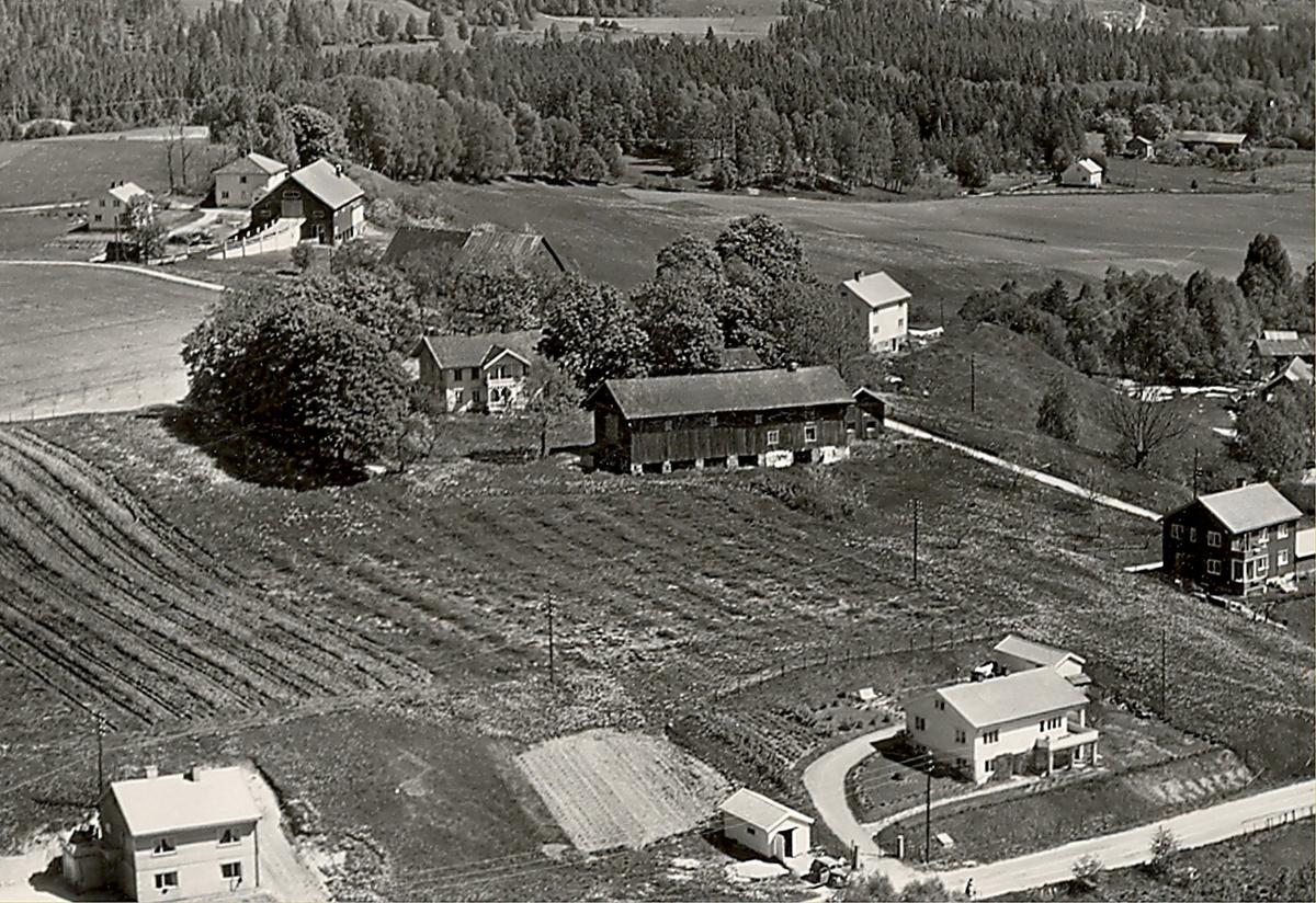 Flyfoto av Grivi i Bø
