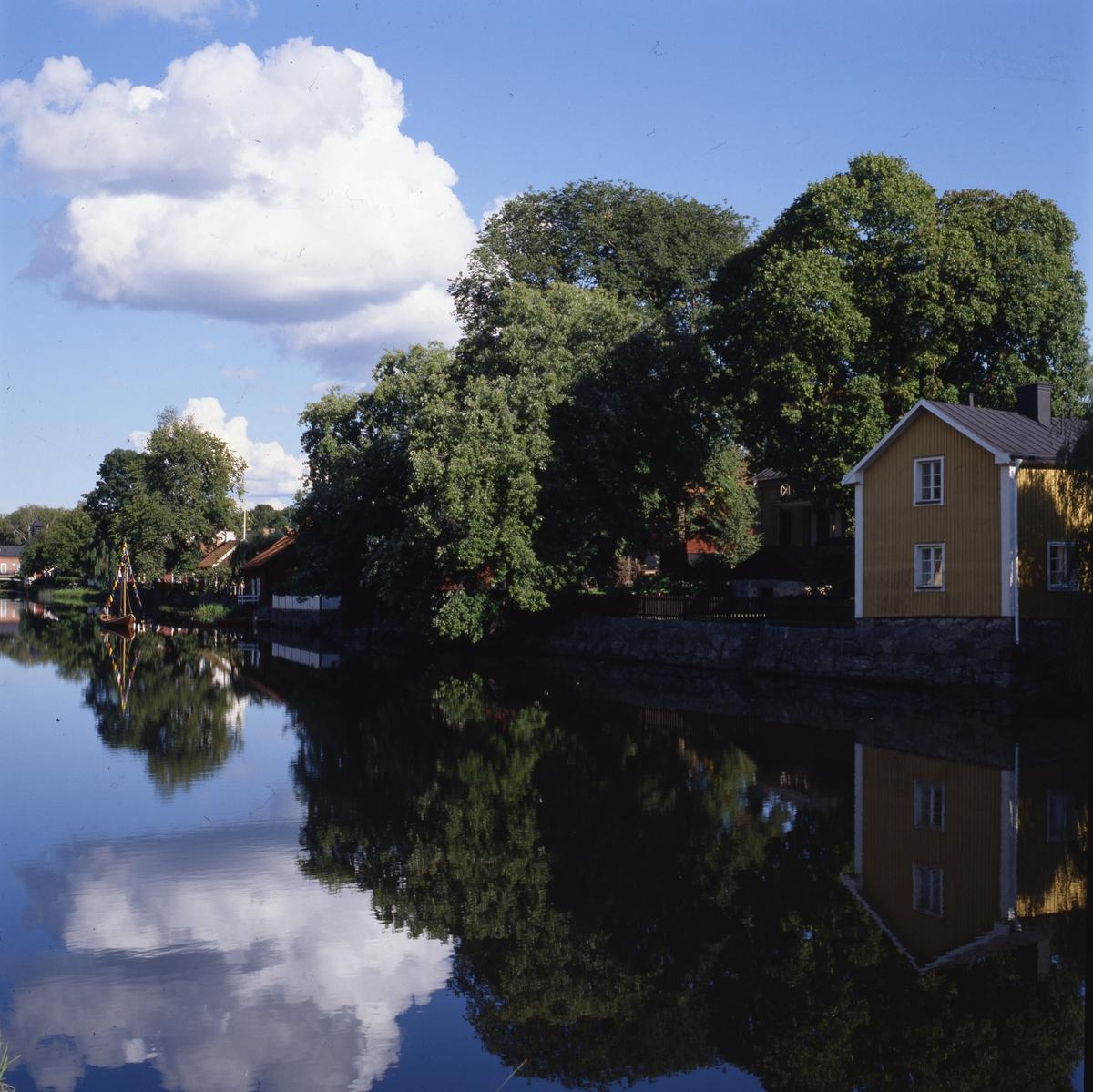 Ågårdar på Storgatan, Arbogaåns södra sida. Längst bort i bild syns Arboga Elektricitetsverk.