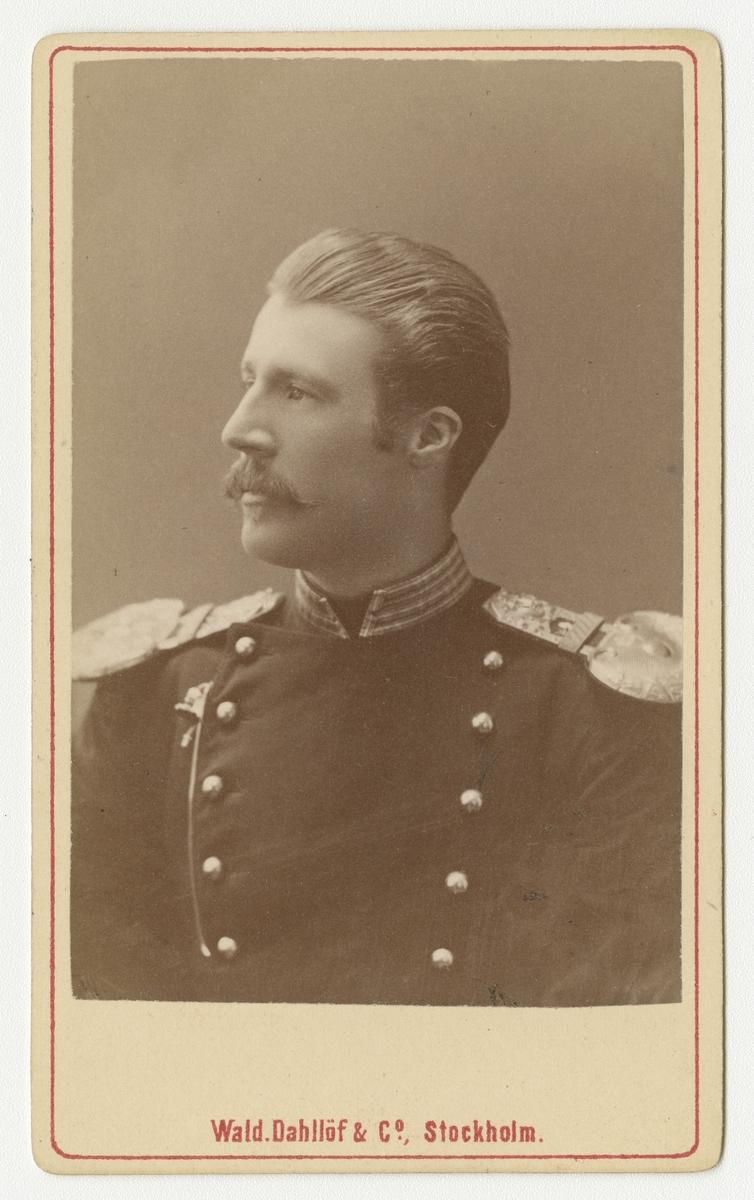 Porträtt av Adolf Gerhard von Heidenstam, löjtnant vid Smålands grenadjärbataljon.
