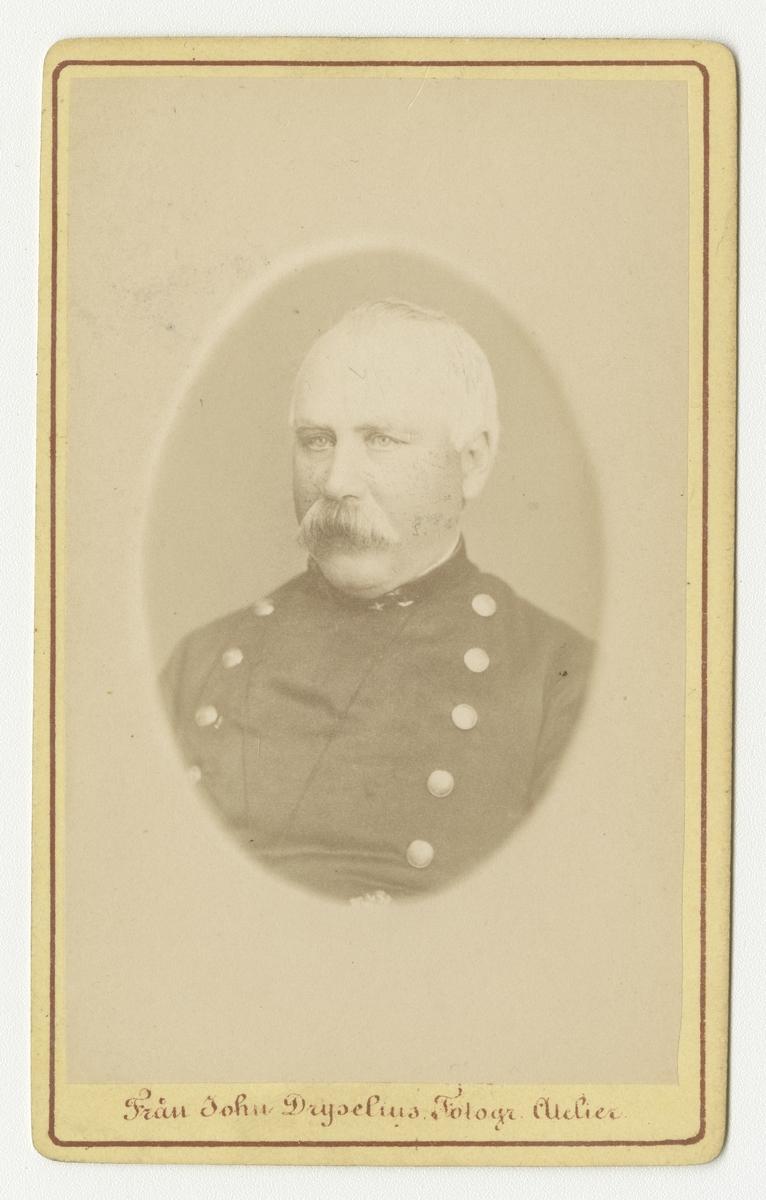Porträtt av Olof Peter Engström, regementsläkare vid Smålands grenadjärbataljon.
