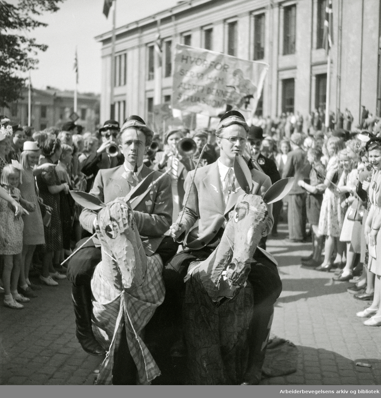 17. Mai 1947. Russetog. Karl Johans gate.