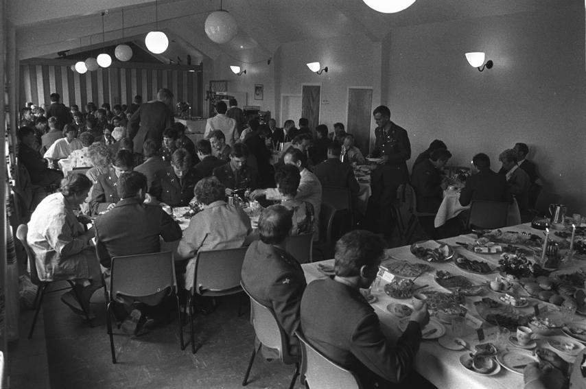 Festmiddag under avslutningen for BSINs kull 2 1986 - 87.