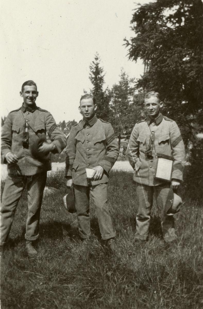 Tre soldater.