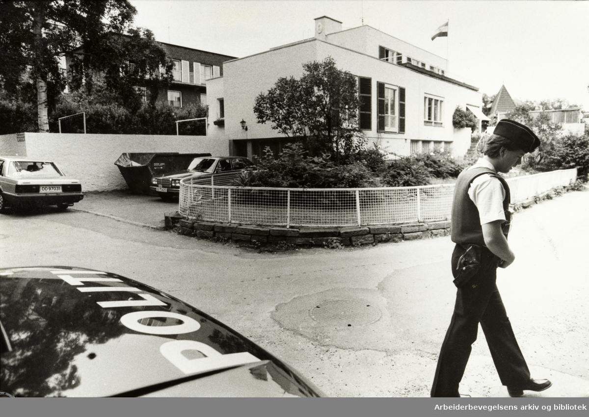 Niels Juels gate, Den Indiske Ambassade. Juni 1984