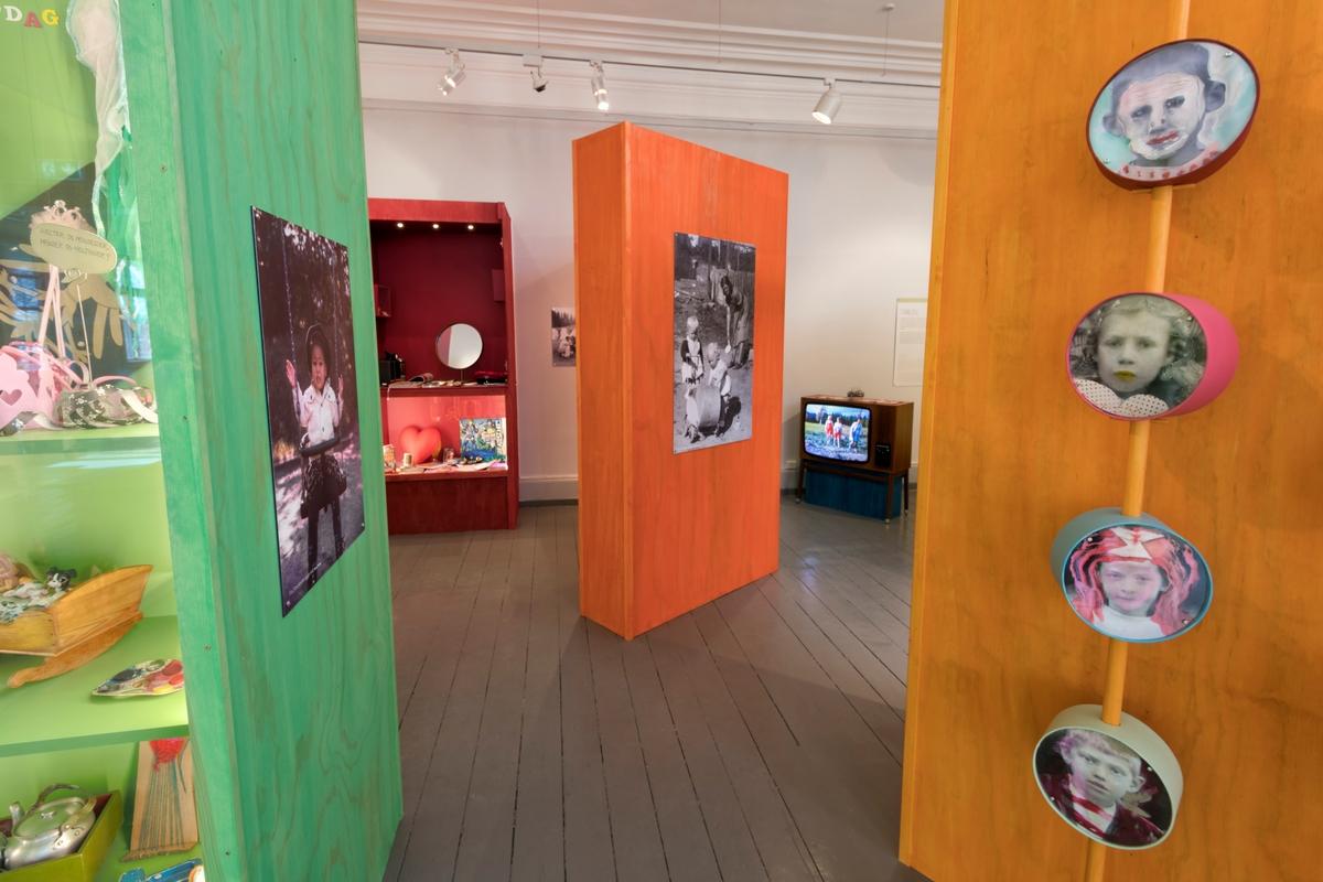 """Utstillingen """"Lek for livet"""" på Kvinnemuseet, Kongsvinger, Hedmark. Utstilling av leketøy. Leker. Lek. Leik. Utstillinger."""