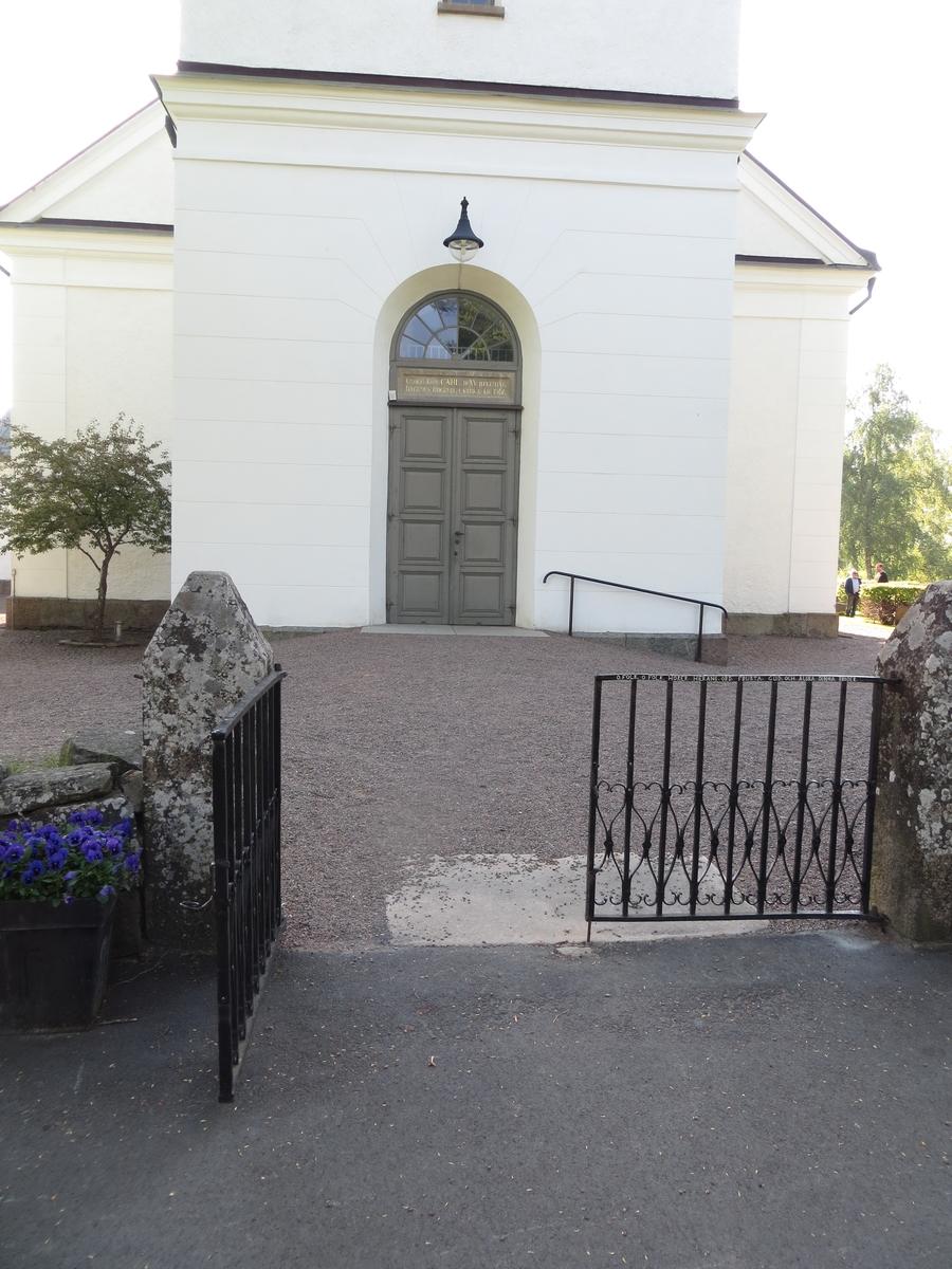 Exteriör från Rogberga kyrkogård.