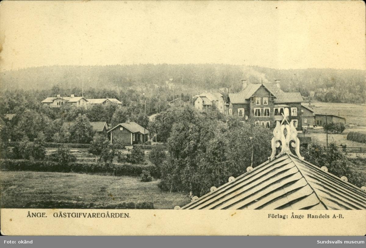 Vykort med motiv över Gästgivargården i Ånge.
