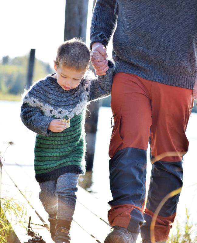 God ullgenser og en hånd å holde i på Besøkssenter våtmark Nordre Øyeren (Foto/Photo)