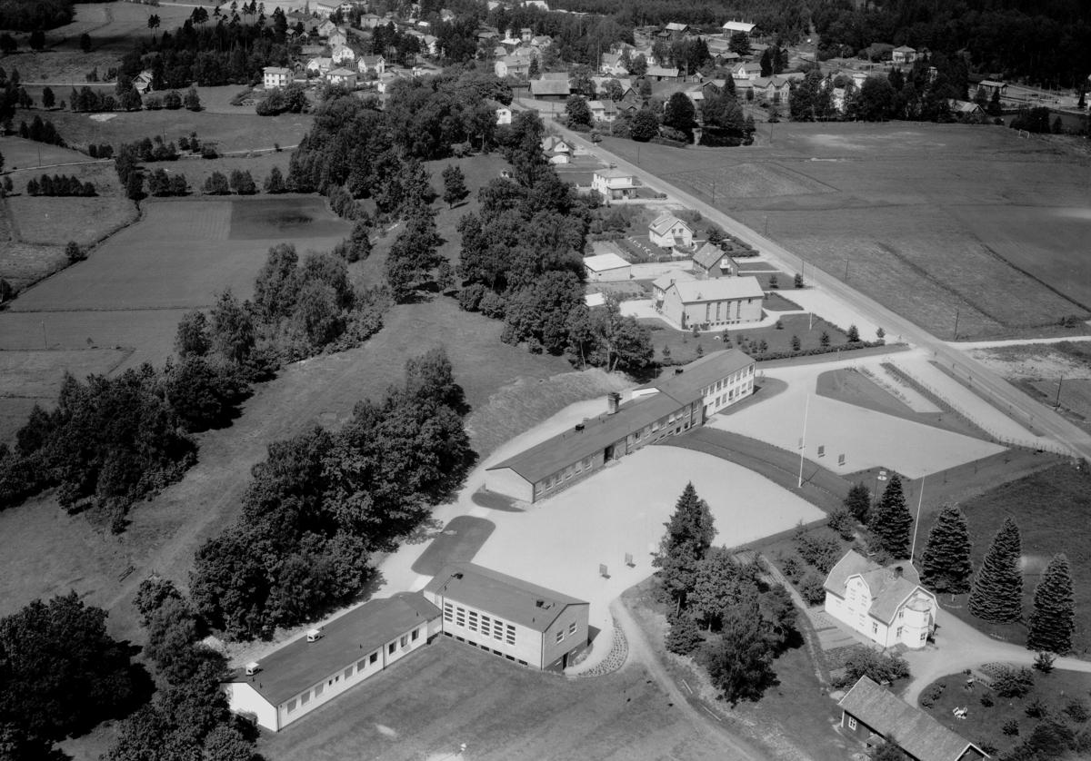 Flygfoto över Bor i Jönköpings län. Nr 1081/1961