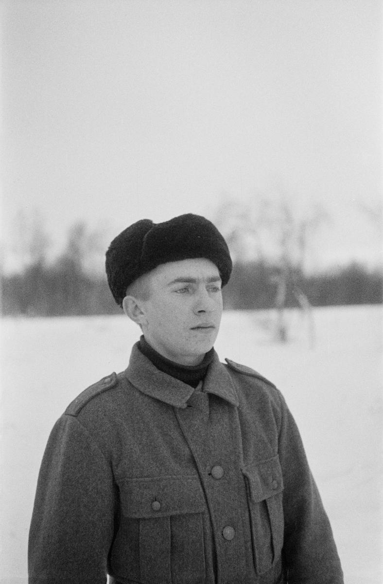 Porträttfoto av Tauno Saimaa, finsk frivillig under finska vinterkriget. Bild från F 19, Svenska frivilligkåren i Finland, 1940.