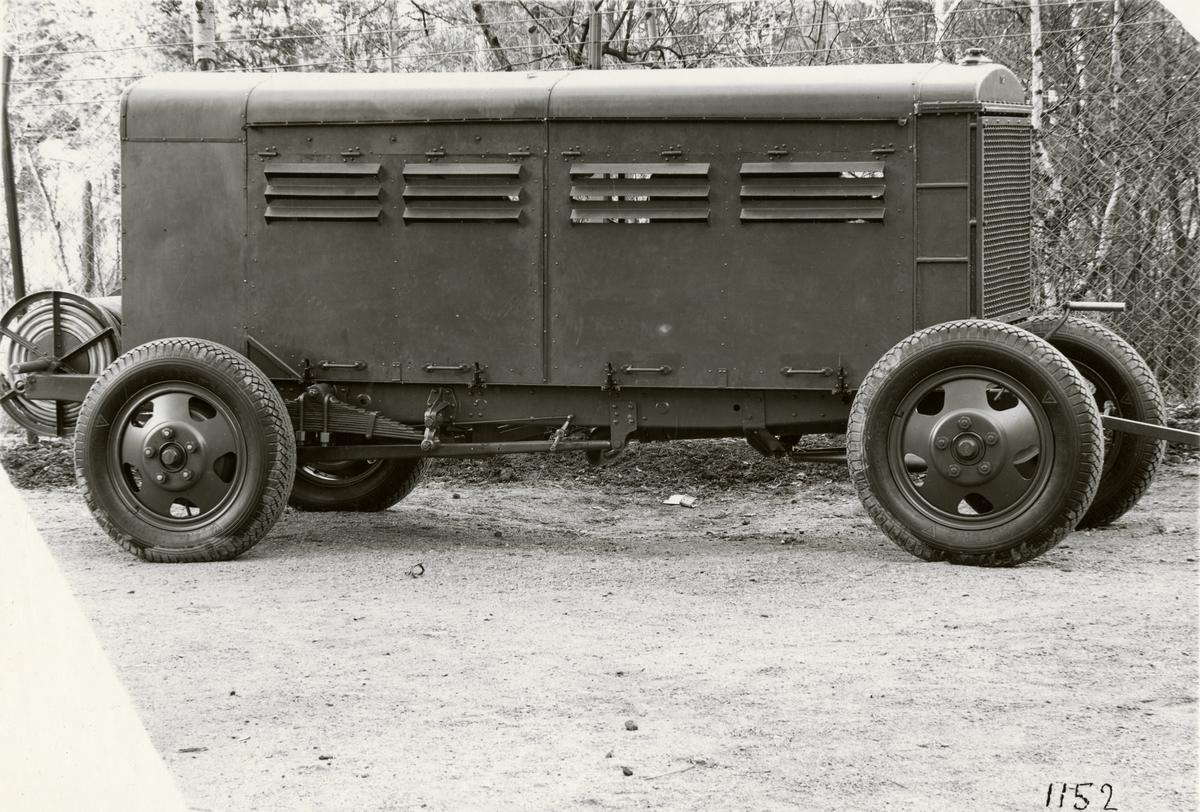 Maskinvagn 23 kW, förbränningsmotor, generator, koppling etc. Tillverkad av Svenska Instrument Aktiebolaget (SIA).